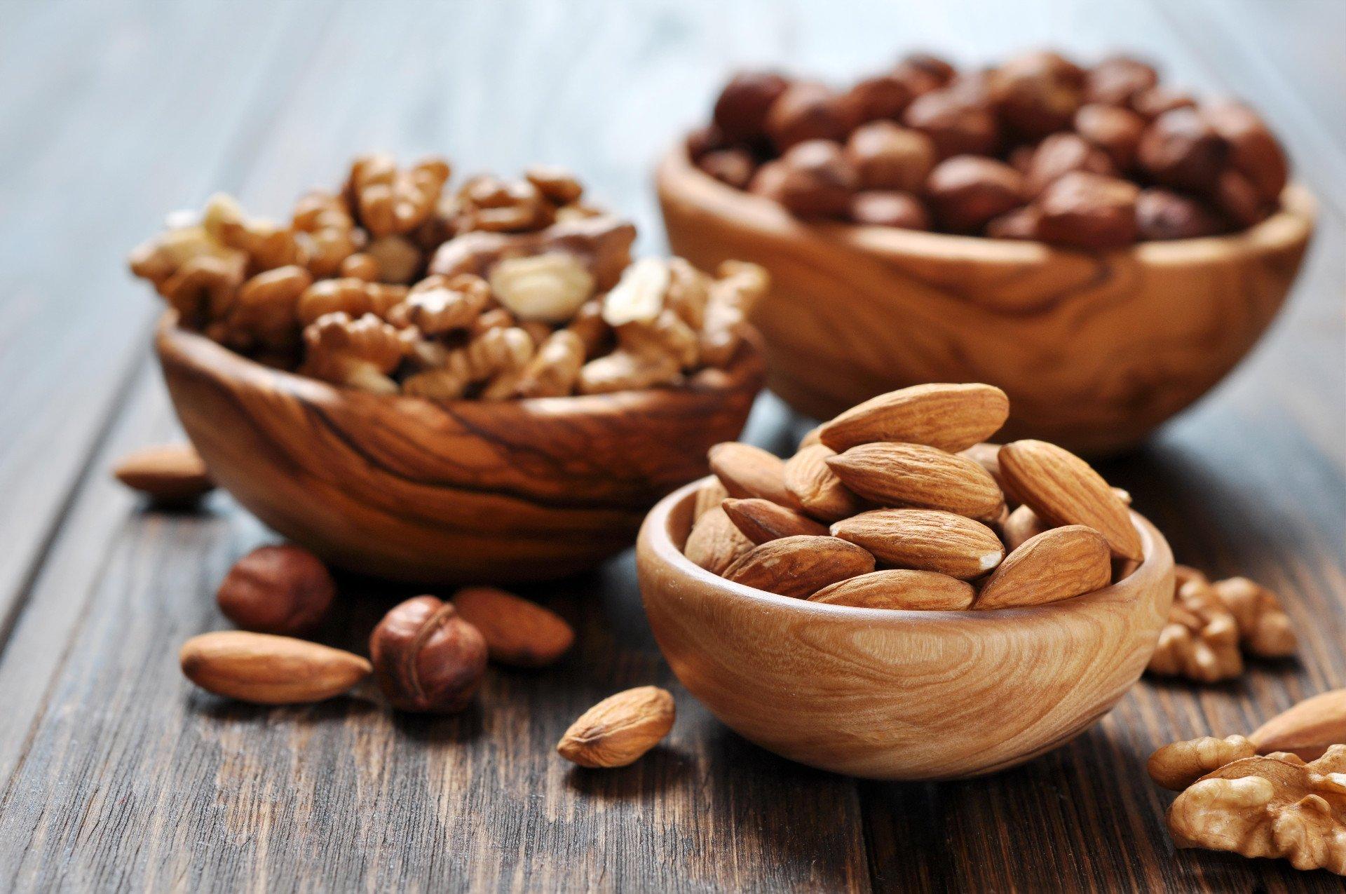 Een opgeblazen gevoel door noten
