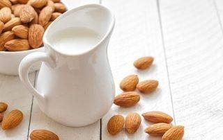 Hoe gezond is melk en wat kun je als alternatief nemen?