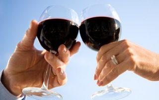 Hoe gezond is rode wijn? Of kun je beter witte wijn drinken?