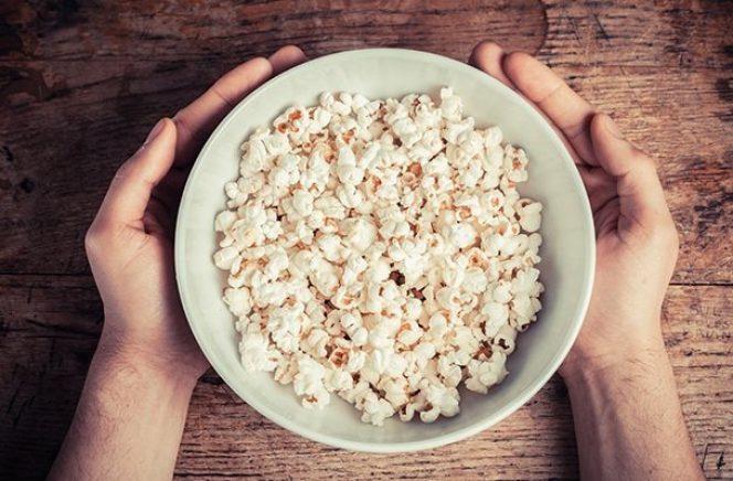 Is popcorn een gezond tussendoortje?