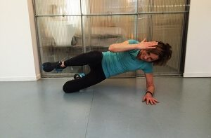Side plank met crunch - breng je elleboog en knie naar elkaar